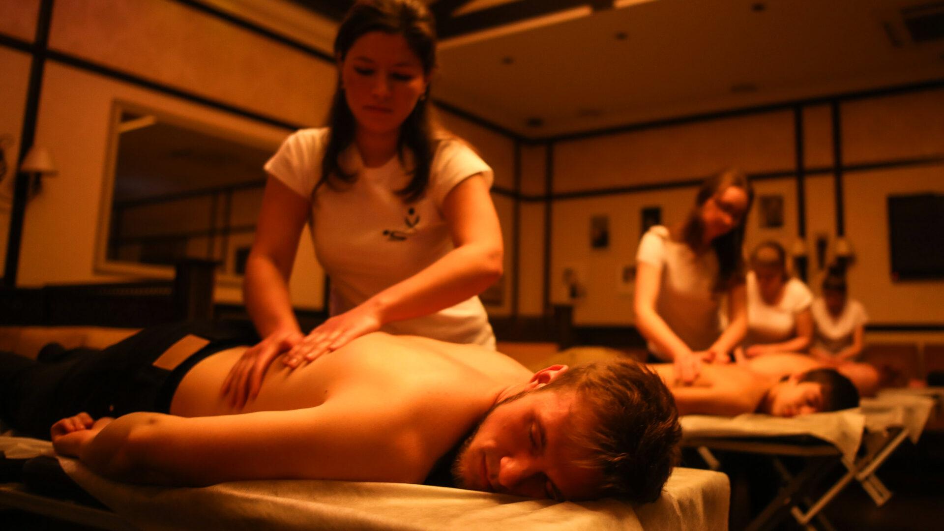 10 мифов о классическом массаже